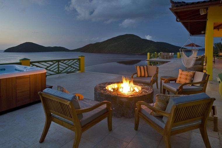 pozo terraza fuego sillas madera cojines vistas ideas