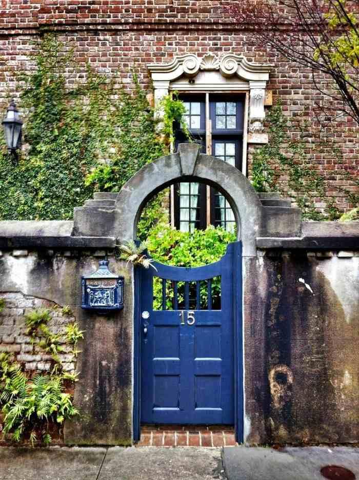 puertas de entrada color azul