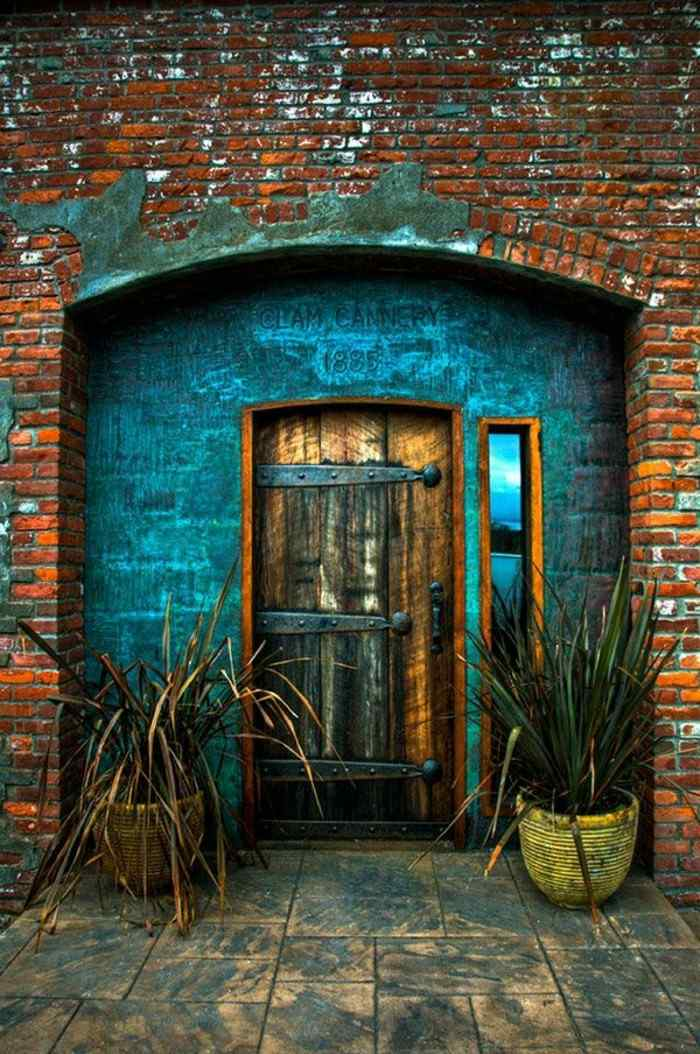 puertas de entrada madera hierro
