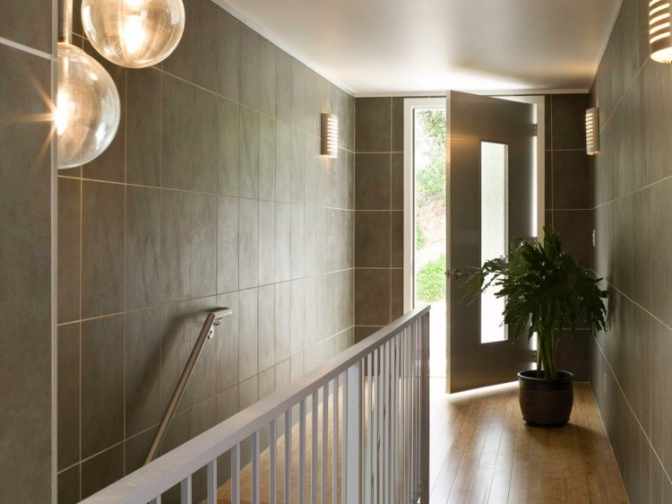 recibidor entrada planta escaleras barandilla
