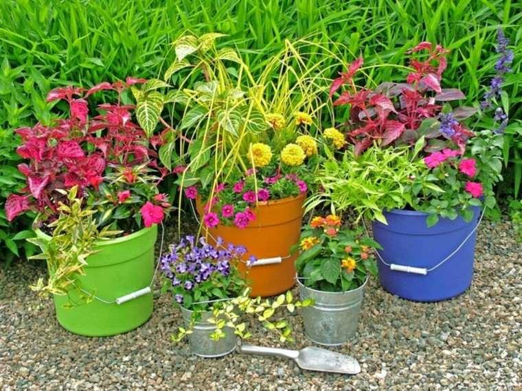 Reciclaje creativo, 50 ideas geniales para un patio diferente.