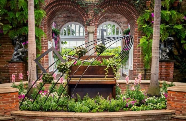 reciclaje creativo ladrillos piano arcos