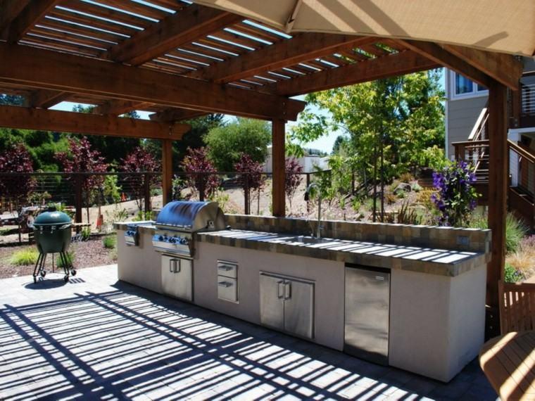 refugio perfecto verano cocina exterior amplia muebles acero ideas