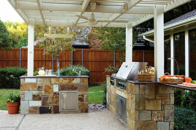 refugio perfecto verano cocina exterior pergola madera blanca