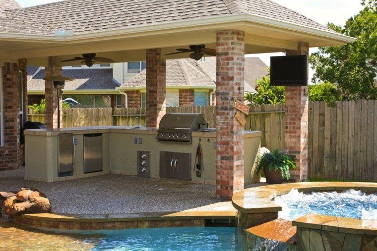 refugio perfecto verano cocina exterior mesa piscina jacuzzi ideas