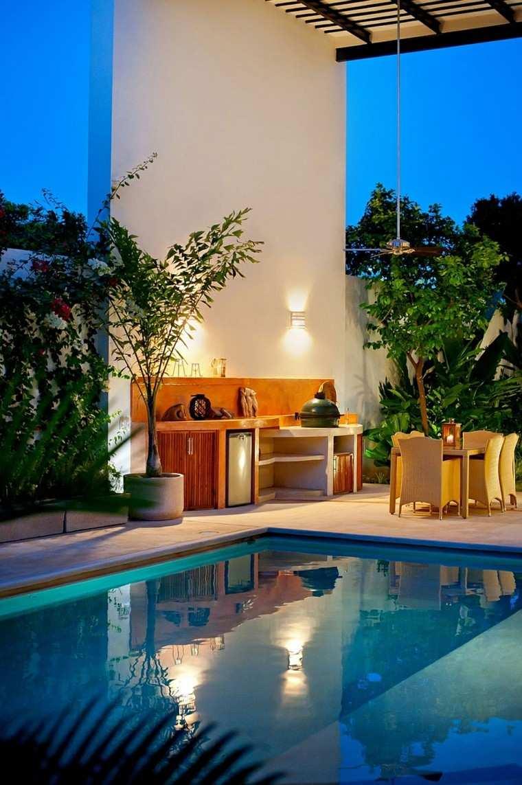 refugio perfecto verano cocina exterior piscina muebles madera ideas