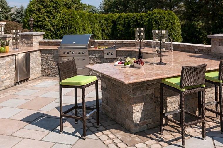 refugio perfecto verano cocina exterior sillas altas rattan ideas