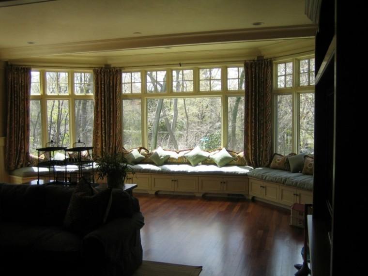 salon estilo clasico bancos ventanas
