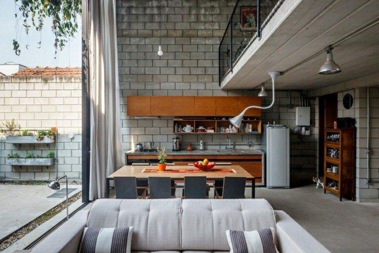 salon comedor semi cubierto ladrillos