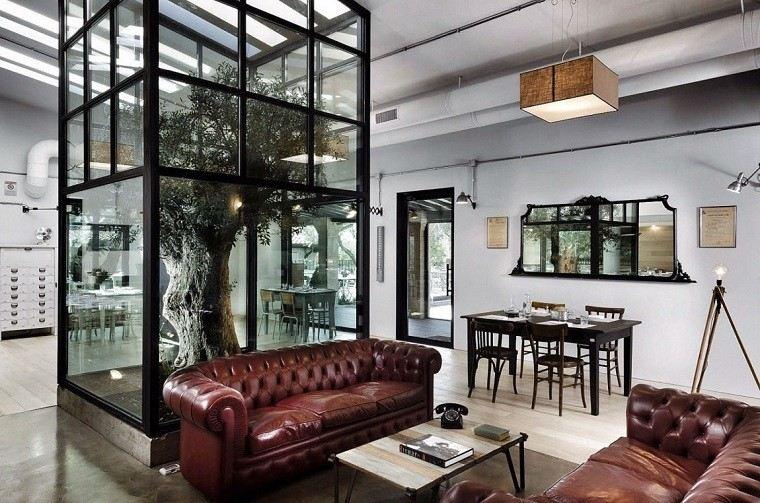 salones rusticos arbol medio natural sofa cuero ideas