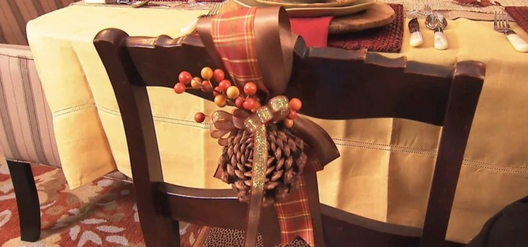silla decoracion alfombra rojo lazo
