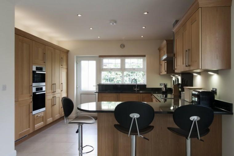 sillas negras muebles madera cocina