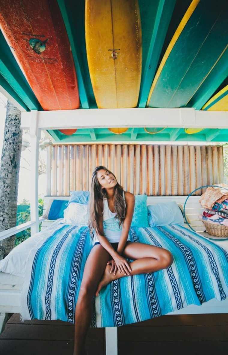 tablas de surf decorar habitacion chica techo ideas