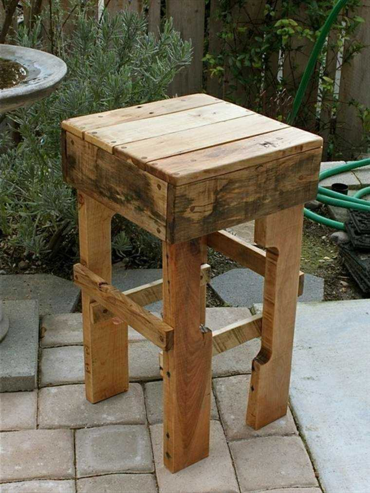 taburete alto hecho palet madera