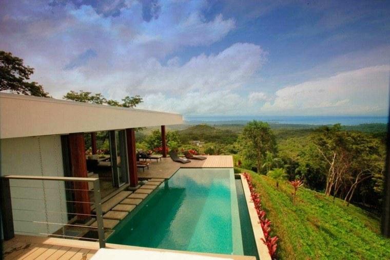 terraza piscina tumbonas vistas preciosas casa ideas