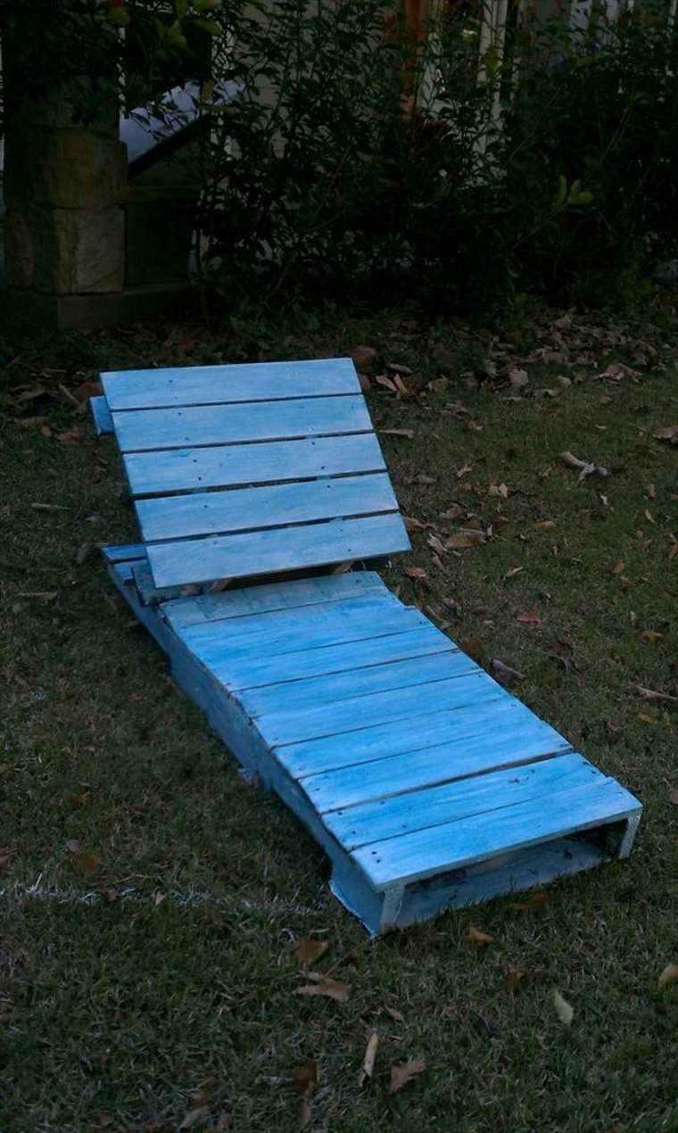 tumbona cajas madera azul