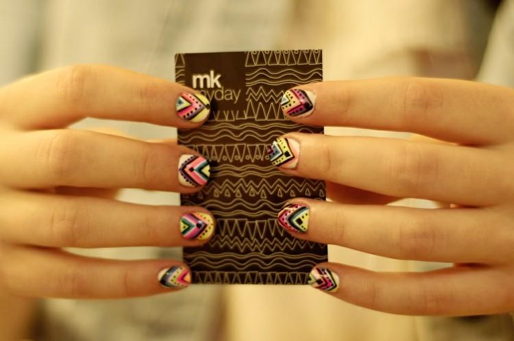 diseños uñas colores bonito diseño