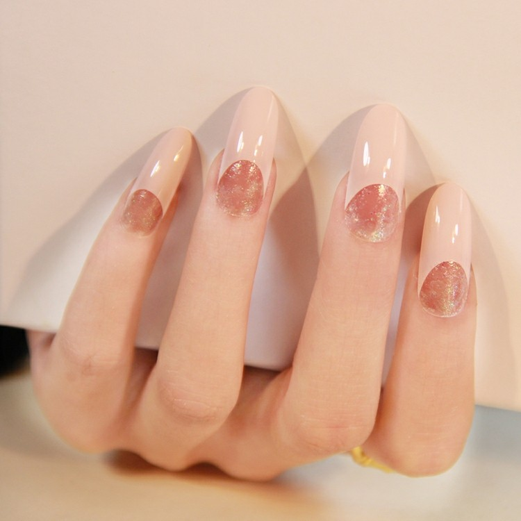decoracion uñas modernas forma almendra