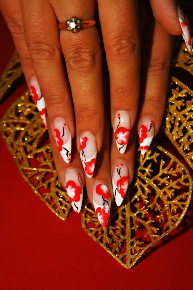 uñas afiladas punta flores rojas largas