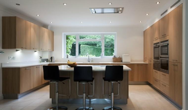 Color blanco y madera de roble para las cocinas modernas for Vistas de cocinas