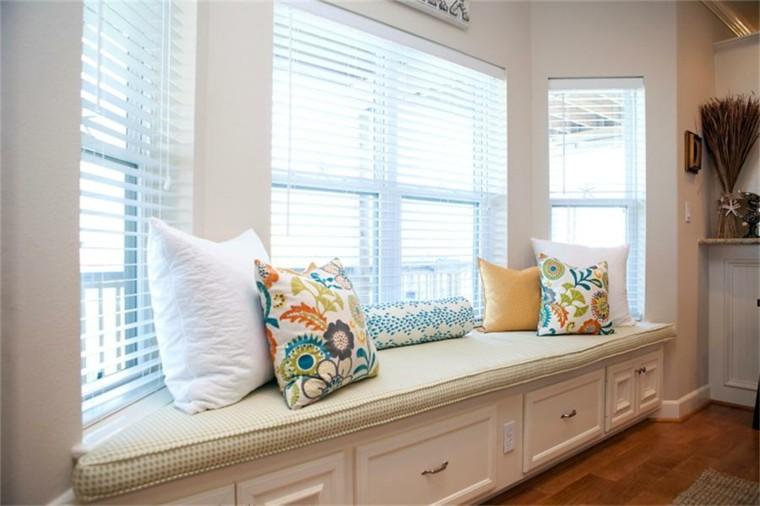 ventanas asierntos color blanco cajones