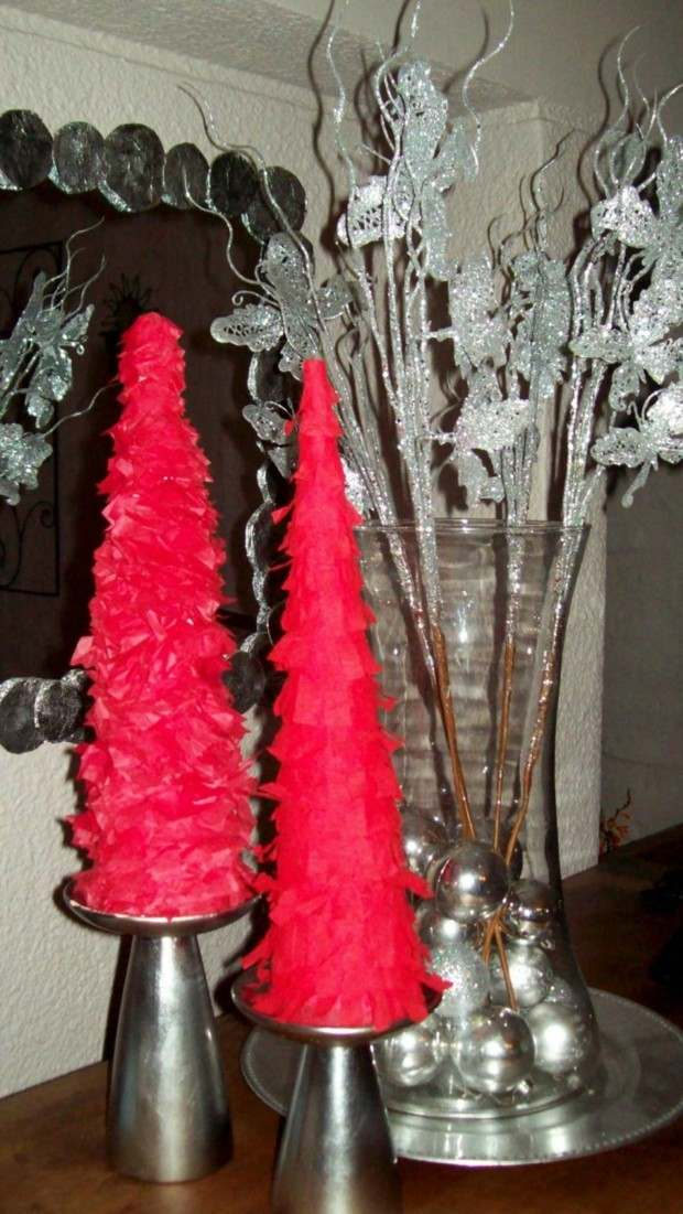 adornos abetos navidad plumas rojas