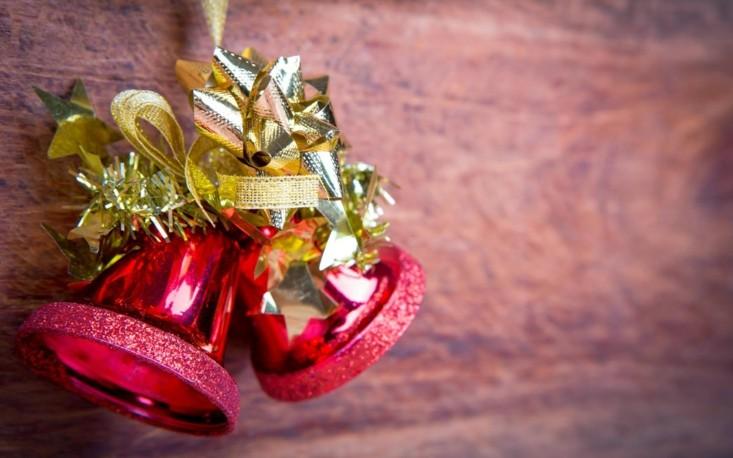 adorno forma campanas de navidad