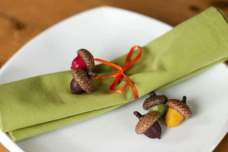 bellotas decorativas para este otoo adorno plato bellotitas deco colores