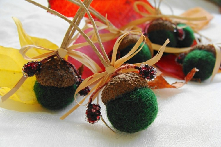 adornos bolitas lana color verde