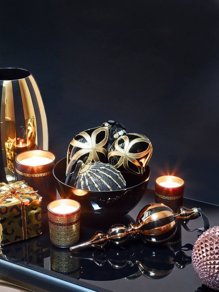 adornos de navidad negros oro bolas velas ideas