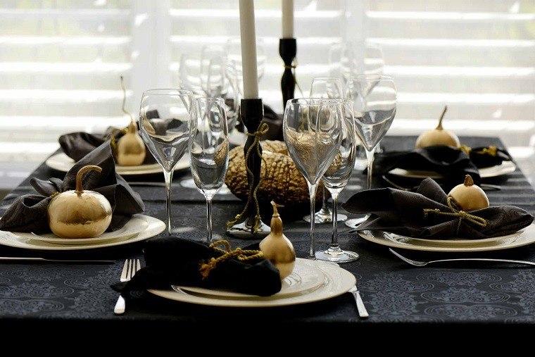 adornos de navidad negros oro calabazas servilletas ideas