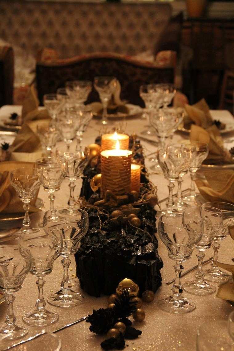 Adornos de navidad negros y oro 35 ideas elegantes - Centro navideno de mesa ...