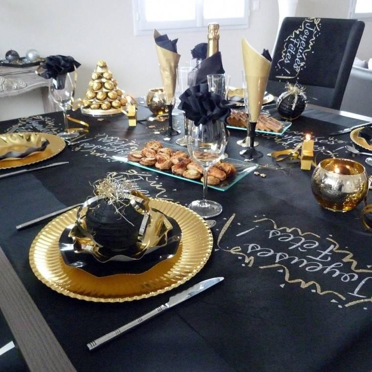 adornos navidad negros oro mantel platos ideas