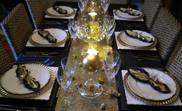 adornos-de-navidad-negros-oro-velas-brillantes