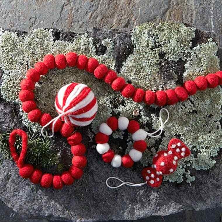 adornos decorativos navidad tejido guirnalda roja ideas