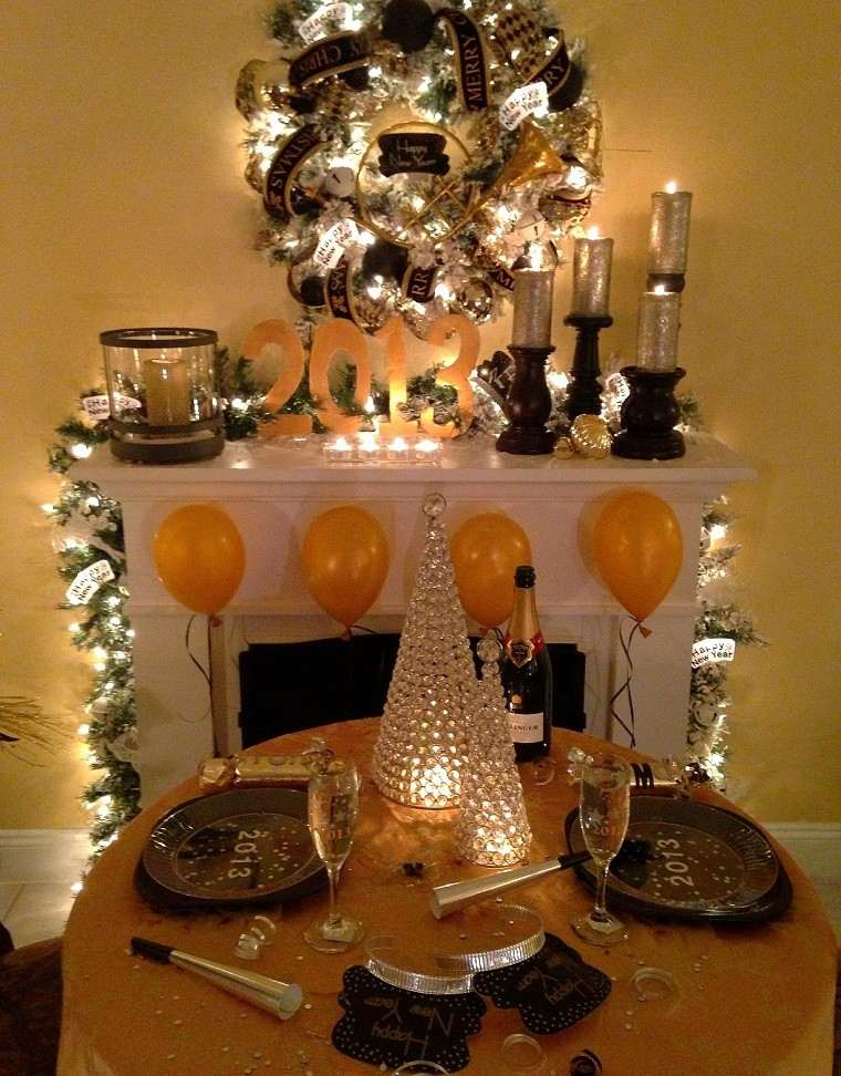 adornos navidad negros oro mesa chimenea guirnalda ideas