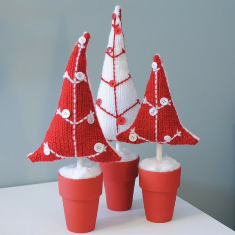 adornos navideños tejidos lana arboles rojos ideas