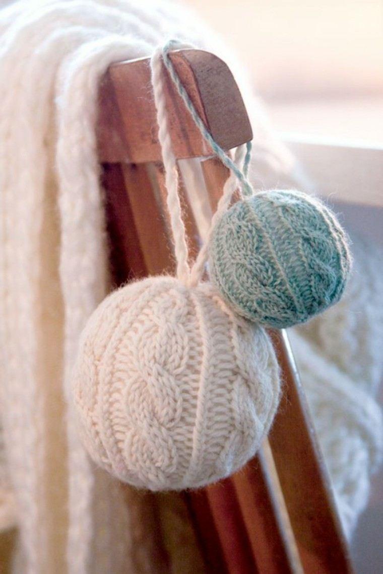 adornos navidad tejidos lana bolas silla ideas