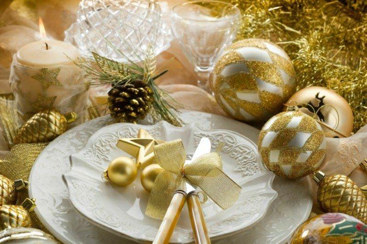 adornos navideños mesas diseño dorado