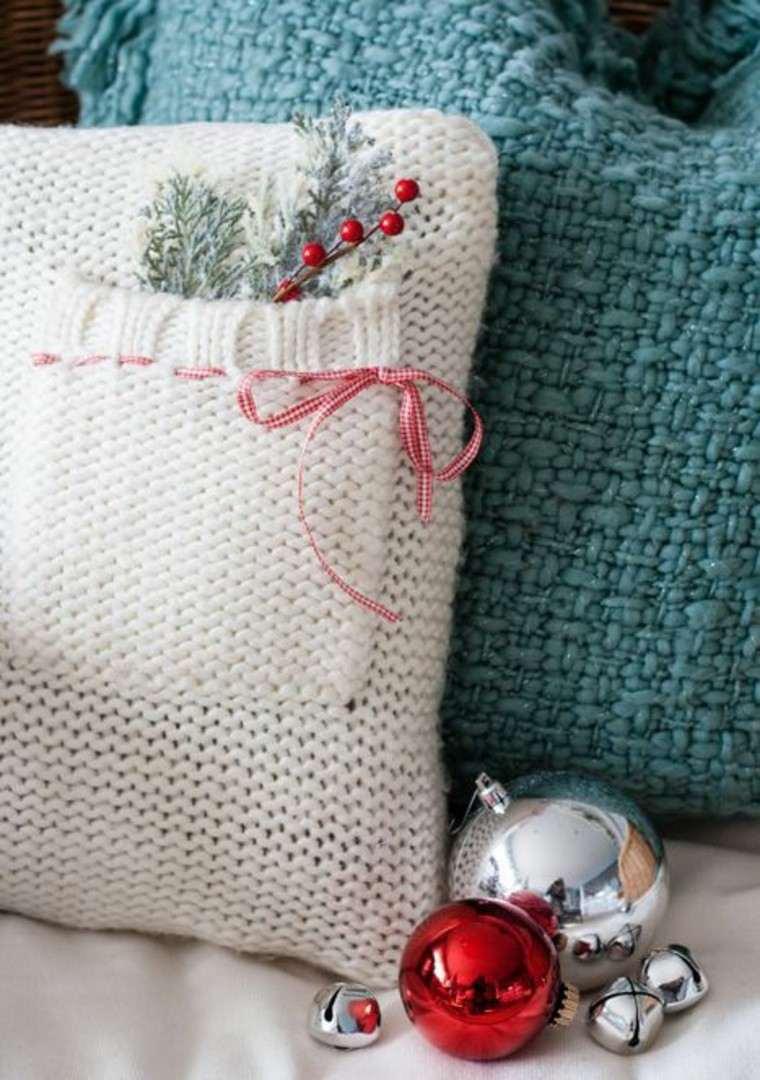 Adornos navide os tejidos de lana para decorar la casa - Cojines de lana hechos a mano ...