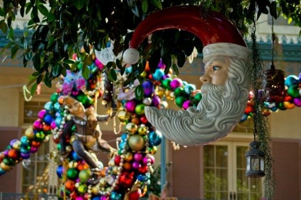 Decorar terrazas y balcones en navidad 25 ideas for Adornos navidenos para exteriores