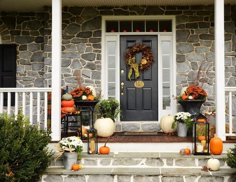 arbol ramas decorar casa otono guirnalda porche puerta ideas