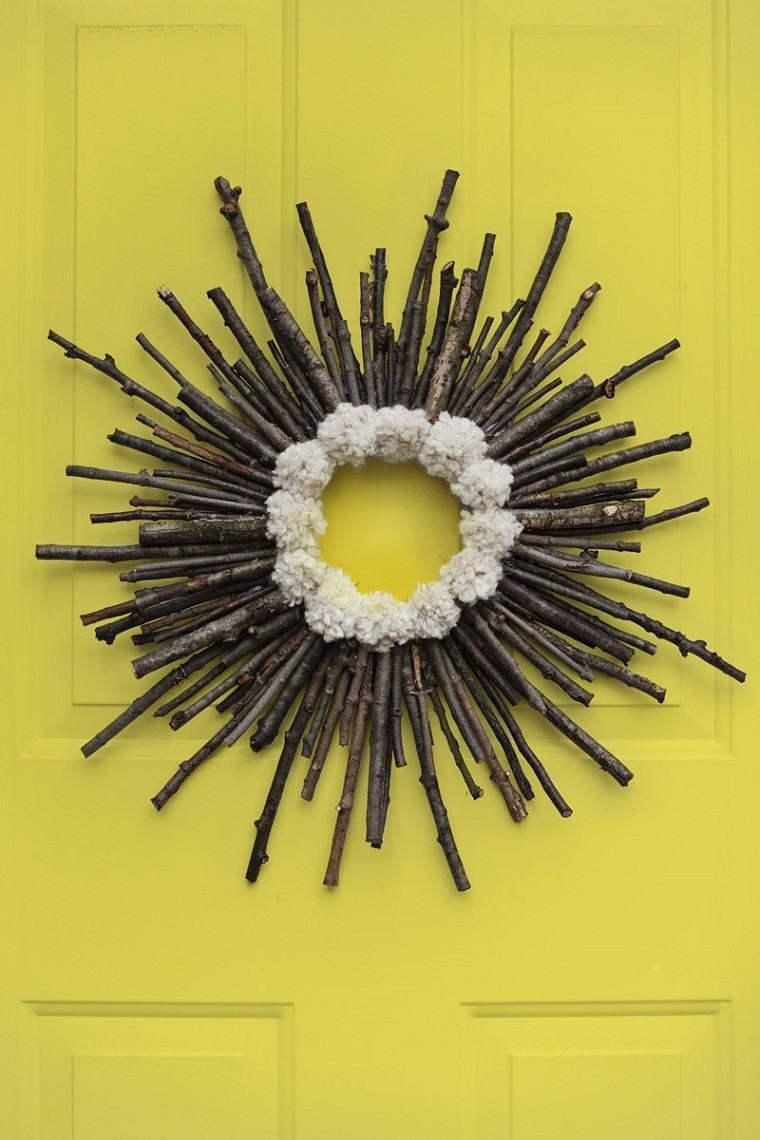 arbol ramas decorar casa otono puerta amarilla ideas