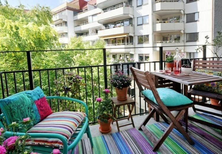 balcon diseño pequeño acogedor lineas rosa