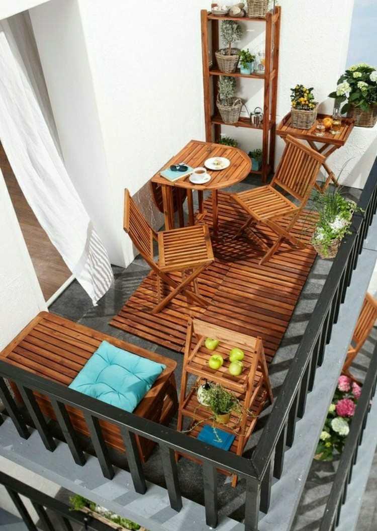 balcon diseño pequeño acogedor listones cortinas