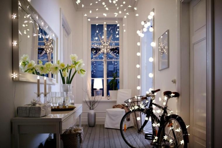 luces de navidad bicicleta espejo flores velas