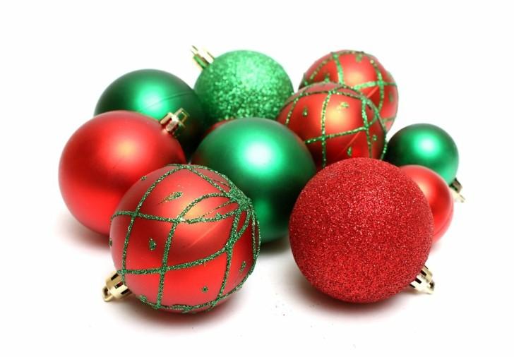 Combinacion de colores t picos navide os rojo y verde for Arbol de navidad con bolas rojas