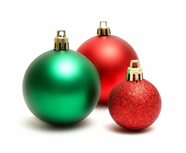 bolas navideñas rojas verde
