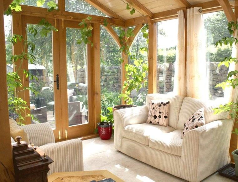 bonita decoración terraza cubierta