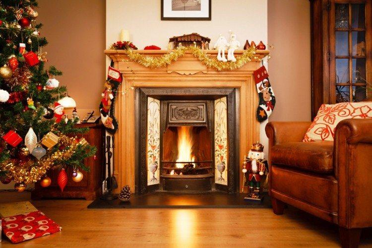 bonita chimenea decoracin navidad